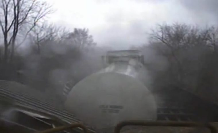 Heavy Metal Wreckage Video: Watch A Tornado Topple A Mighty Freight Train – Mom Nature NEVER Loses