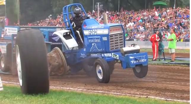Ford Pulling Tractors : Bangshift tractor pull carnage this ford s back wheel