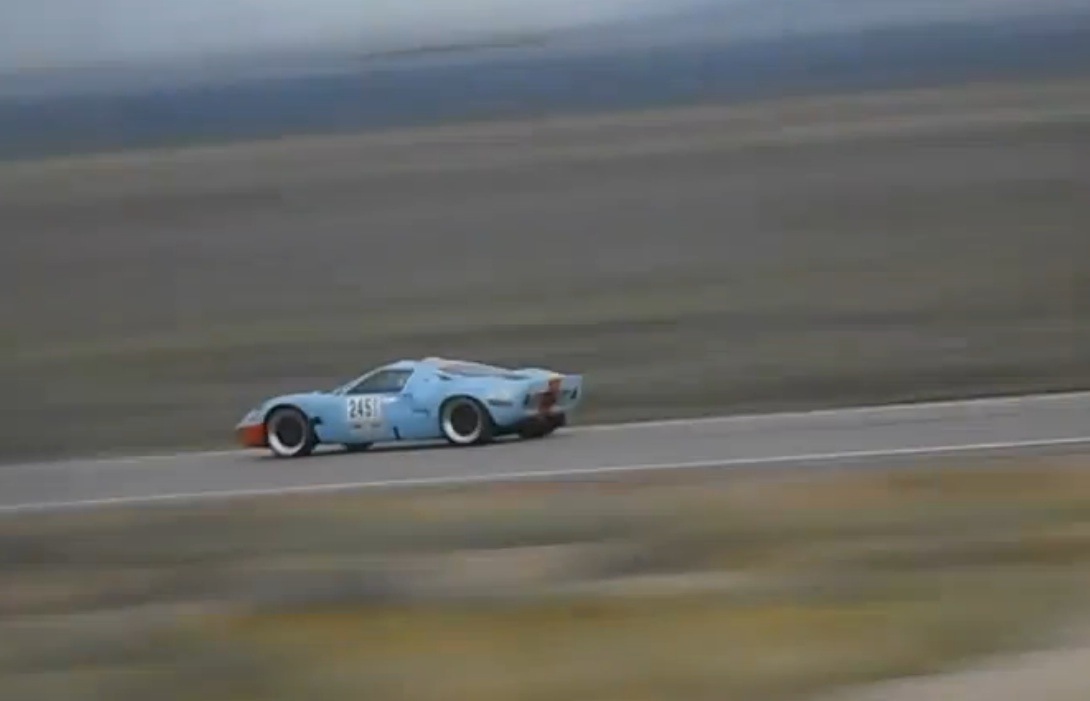 Watch And Listen To This Ford GT40 Make A 170MPH + Fly By At The Silver State Classic Challenge