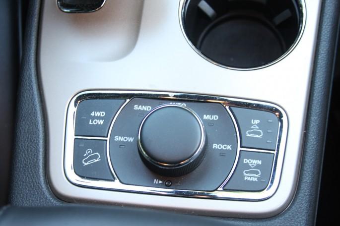 jeep grand cherokee summit eco diesel023