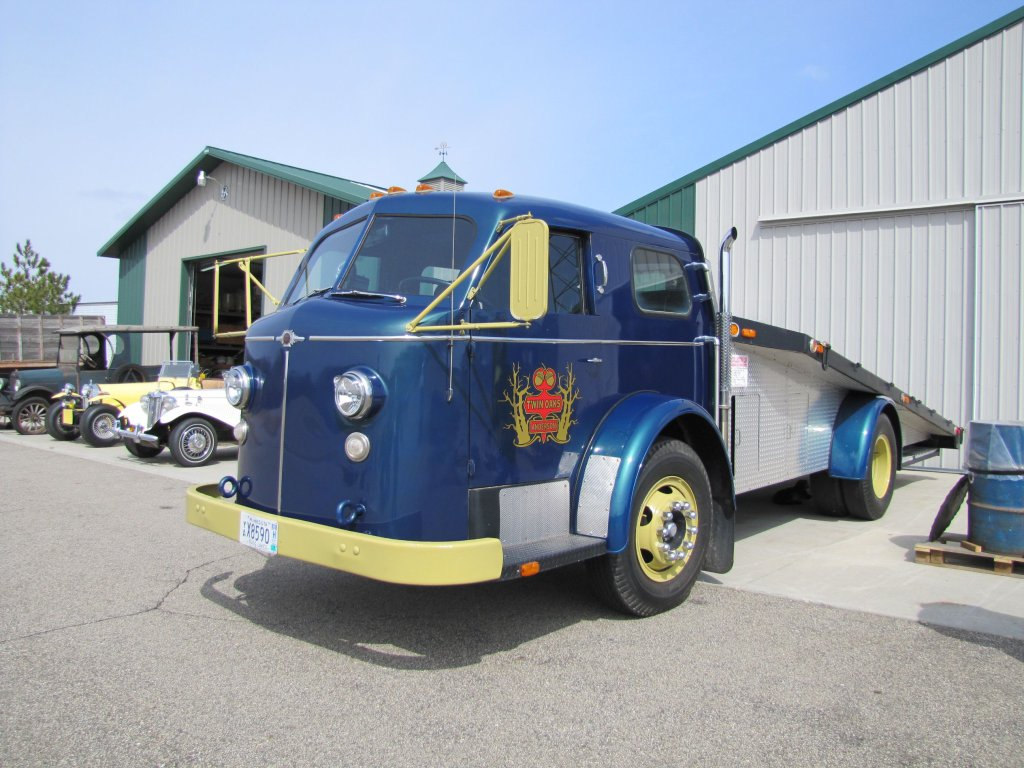 This Ramp Truck Started Life As A 1953 American LaFrance Fire Truck – Neat Piece