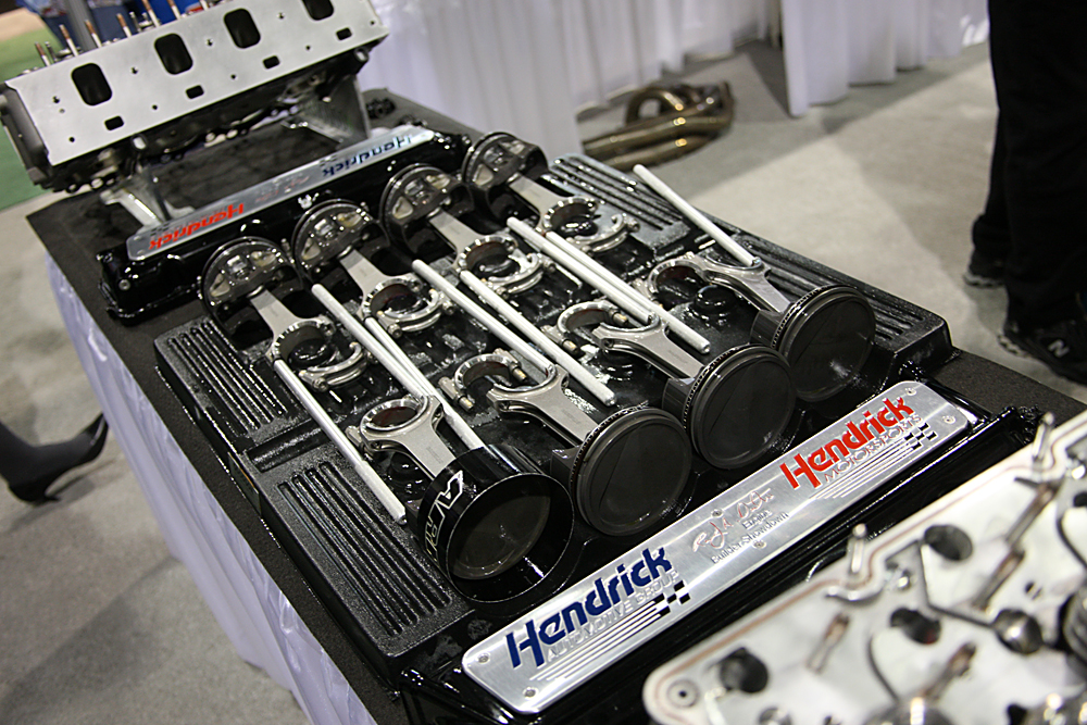 The hendrick nascar engine build demo presented by mahle and clevite