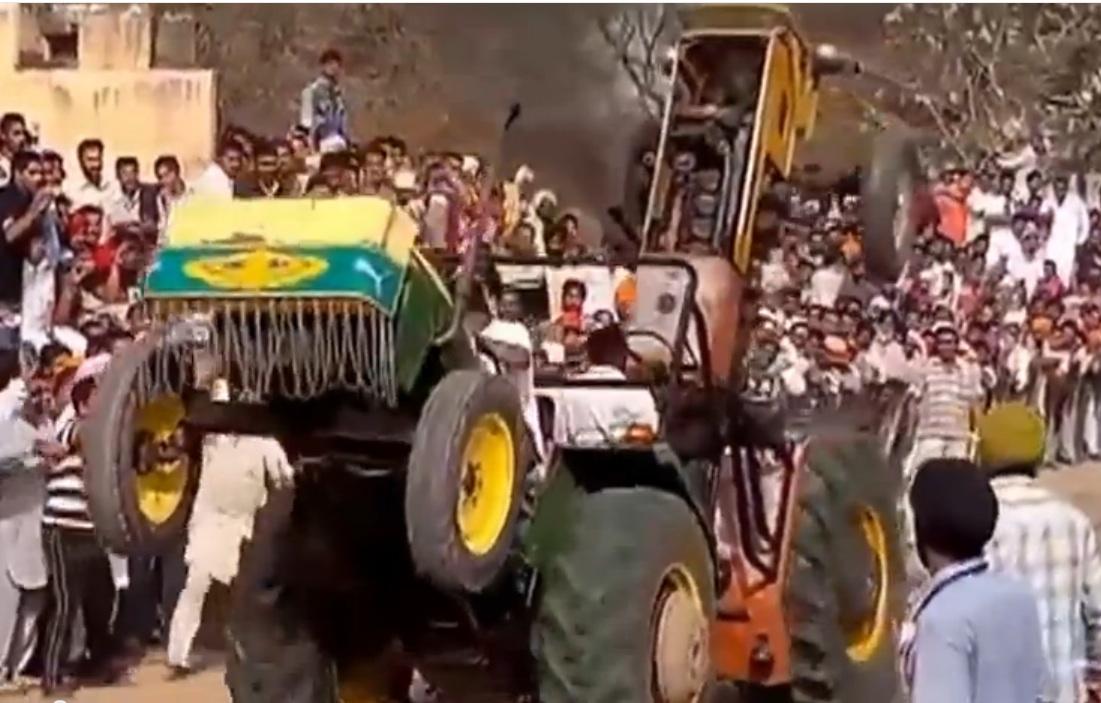 Tractors Hooked Together : Bangshift punjabi tractor pulling