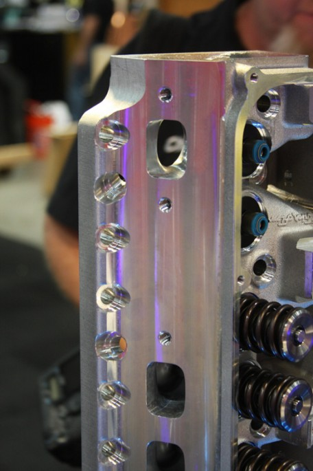 trick flow big block Chrysler head013