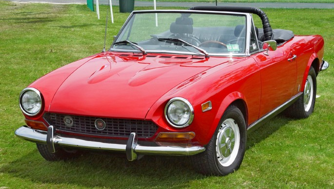 1974-Fiat-124-Spider-Red-Front-Angle-st