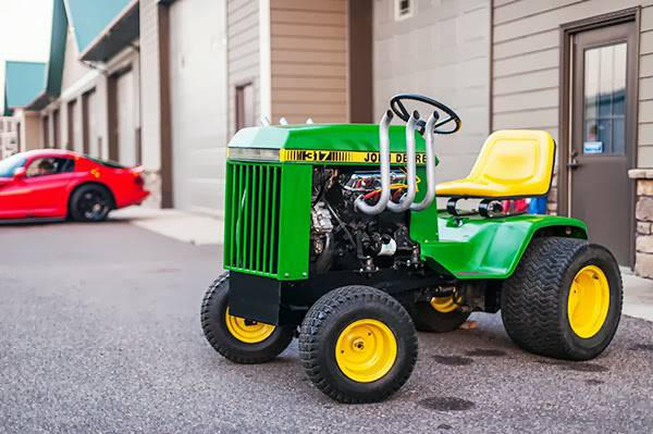 This John Deere 317 Garden Tractor With A 2.8L GM V6 Is 100% BangShift Approved – Think It Sounds Good With Zoomies?