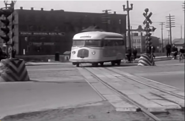 The Evans Auto-Railer Was A Bus And A Train That Unfortunately Went Nowhere