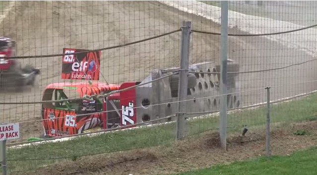 Video: Full Contact Superstock Dirt Track Racing From The Crazy Kiwis!