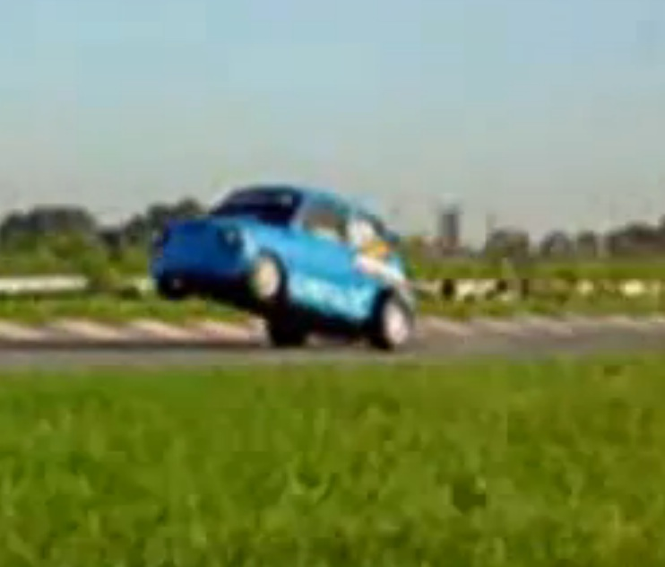 Watch This Little Fiat 600 Wind Up And Rip Off An Impressive Wheelie – Tiny Car Fun!