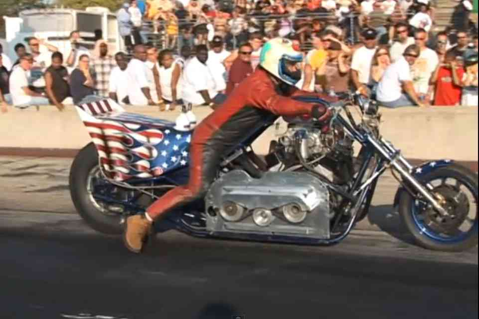Video: Watch Mike Charlton And His Blown V8 Exhibition Motorcycle Blaze The Tire And Swap Lanes At Byron Dragway – Wild Stuff