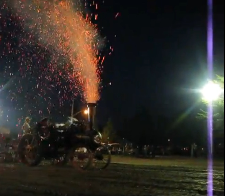 Watch This 100+ Year Old Sawyer Massey Steam Tractor Pulling The Sled – No Spark Arrestor Means An Incredible Fire Show