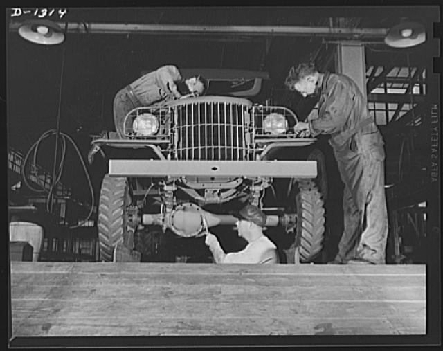Gearhead History: Check Out These Amazing Photos From Inside A Dodge Army Truck Plant In 1942