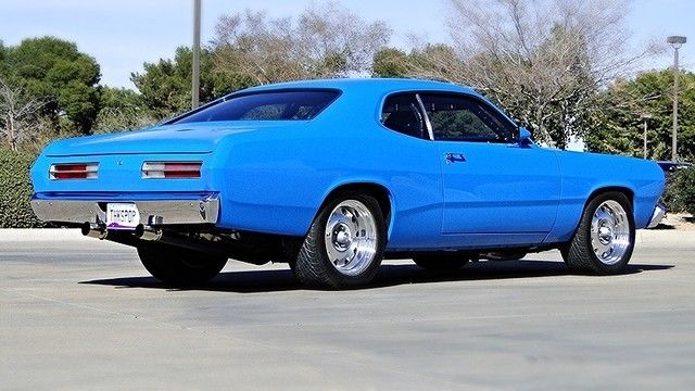 bangshift com hemi powered 1972 plymouth dusterwilwood discs sit at all four wheels, ready to slow the plymouth down at any speed the hemi is good for it, but not much is mentioned of the suspension