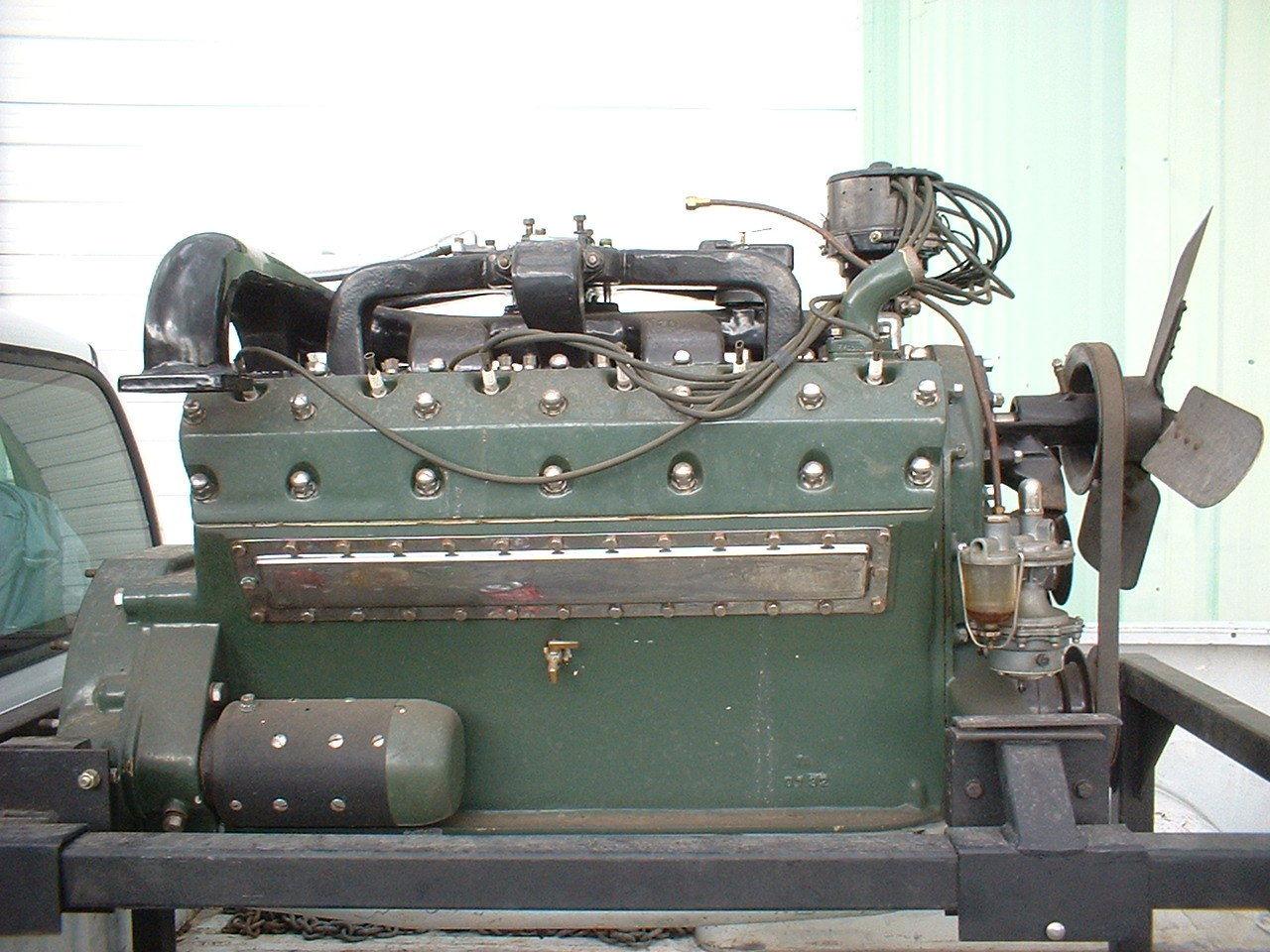 BangShift 1932    Packard    Twin Six V12