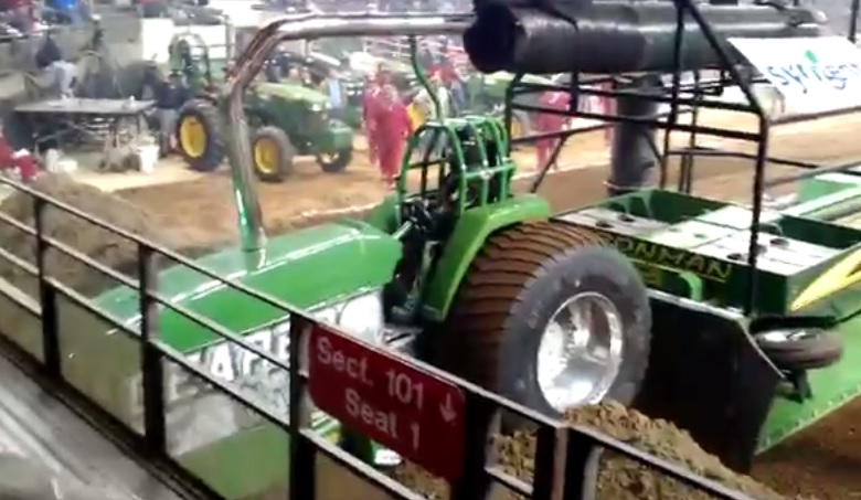 Tractor Pulling Accidents : Bangshift sled failure