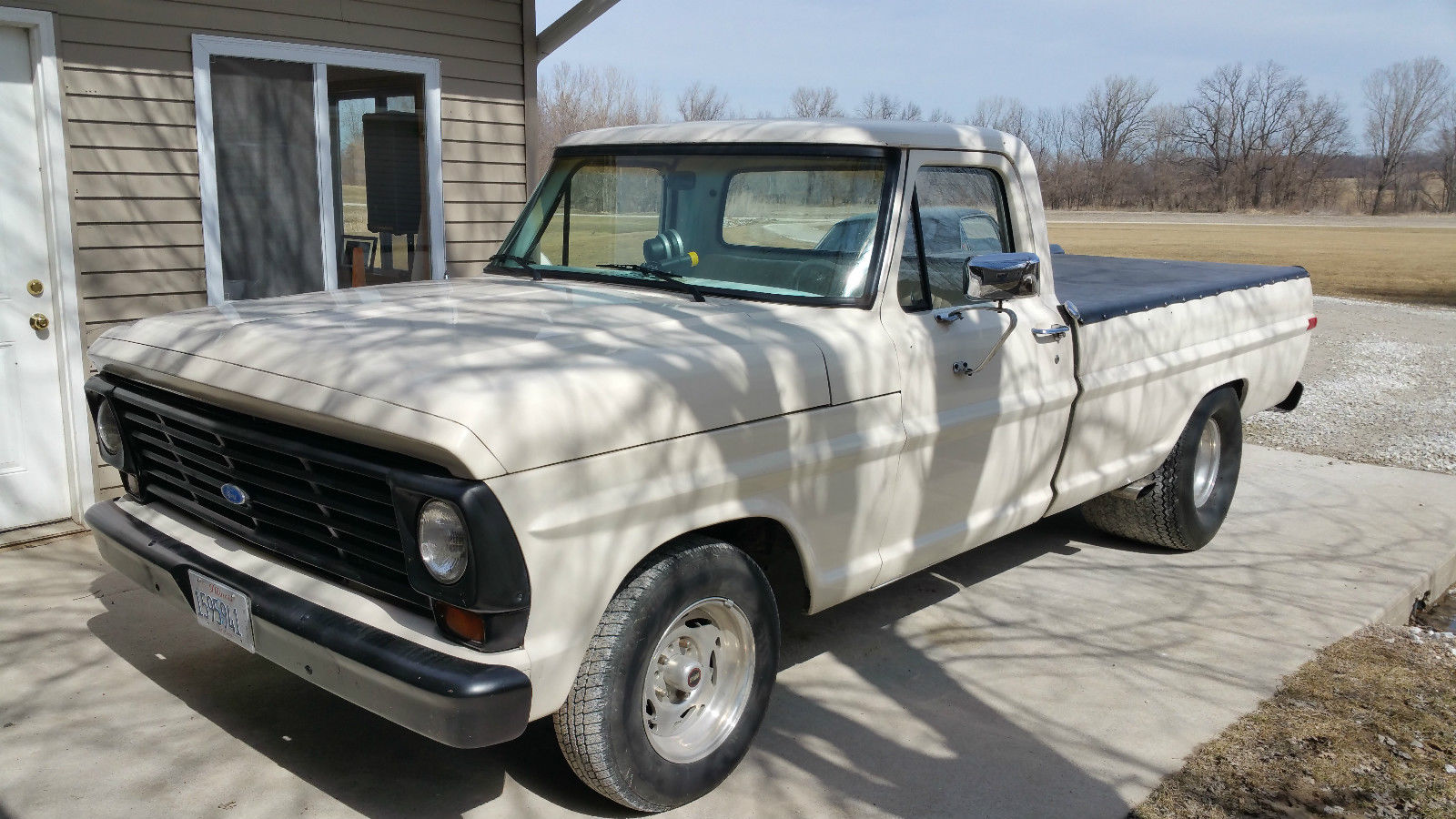This 1967 ford f100 has the pro street stance but it needs the pro street suds