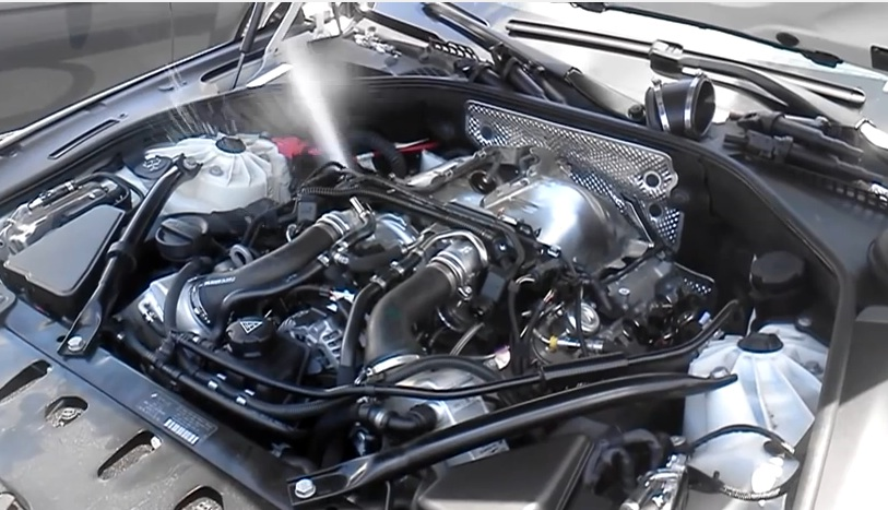 Watching This BMW Engine Pump Water Out Of It Spark Plug Holes Is Like A Gearhead Water Fountain
