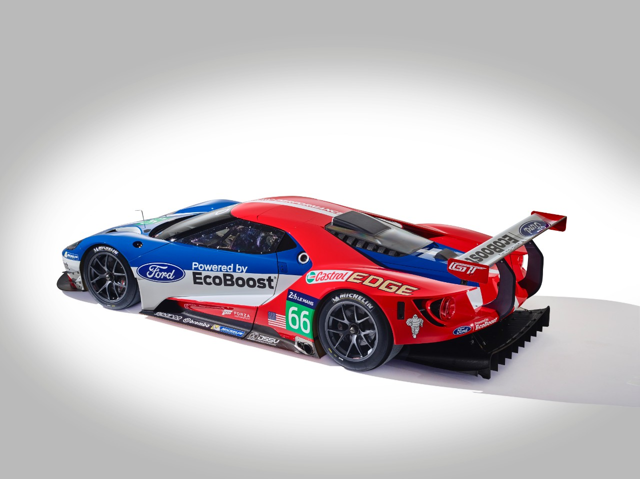 unveiled the ford gt lm gte pro race car they will be at lemans for 2016. Black Bedroom Furniture Sets. Home Design Ideas