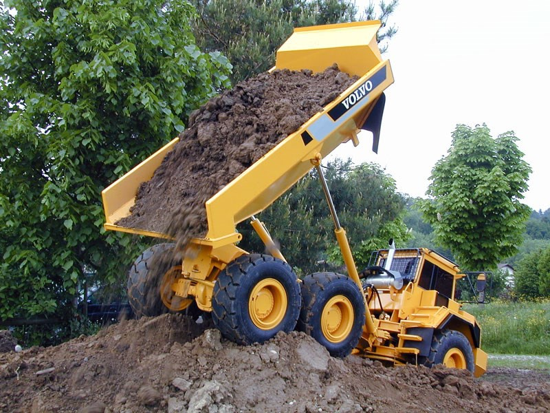 early christmas shopping ideas how about a 1 2 5 scale dump truck loader and. Black Bedroom Furniture Sets. Home Design Ideas