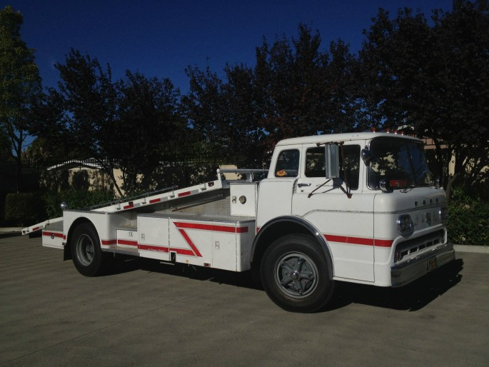 Ford C-800 Fire Truck Ramp Truck Car Hauler 3