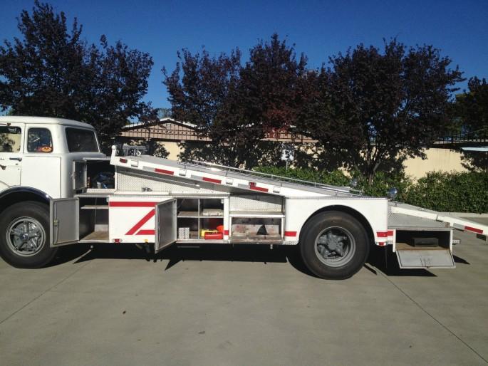 Ford C-800 Fire Truck Ramp Truck Car Hauler 9