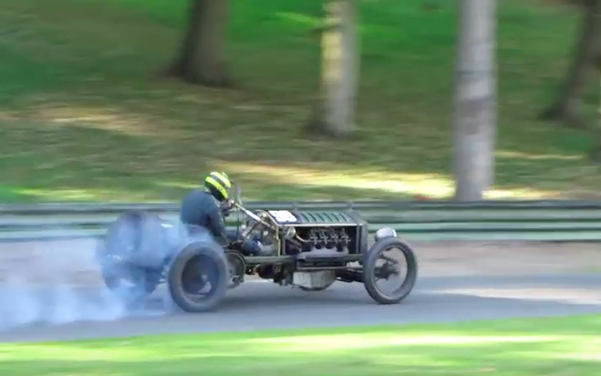 Airplane Engine, Chain Drive, And Tire Smoke – This Is What Racing Looked Like 100+ Years Ago