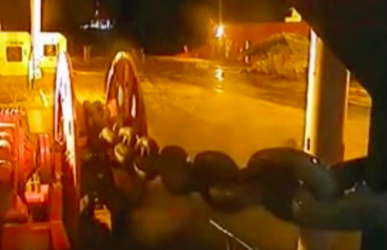 SNAP: When An Oil Rig Anchor Chain Snaps No One Is Safe
