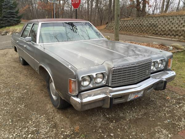 This 1976 Chrysler Newport Is A Winter Beater Dream! Just Add Studded Snow Tires And Go Drift-Bashing!