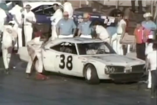 Classic YouTube: Take A Look Back At The First Live Televised NASCAR Grand National Race In 1971!