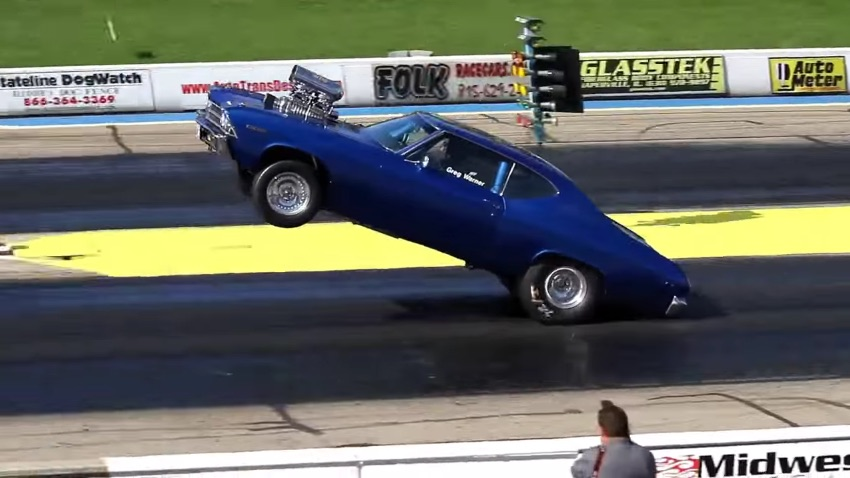 Watch This 565 Cubic Inch Blown 1969 Chevelle Stand On The Bumper For 200 Feet!