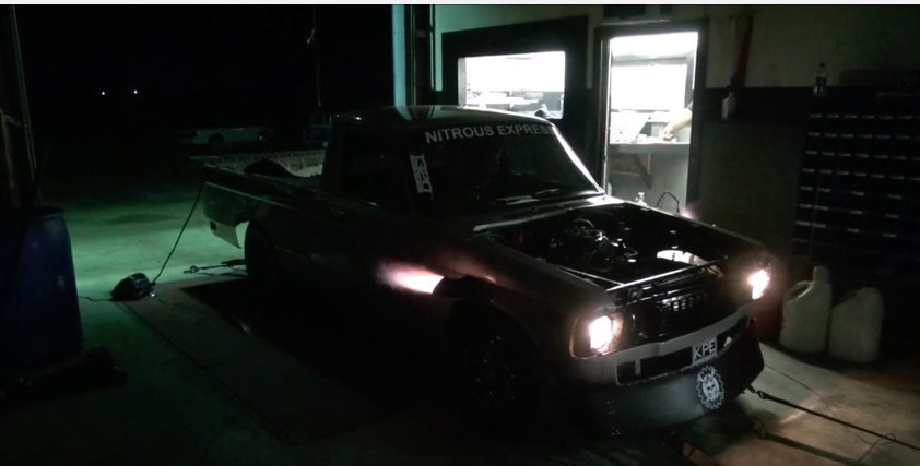 Watch The Luv Grudge Truck Make A Header Flamin', Nitrous Infected dyno pull – One Mean Small Block