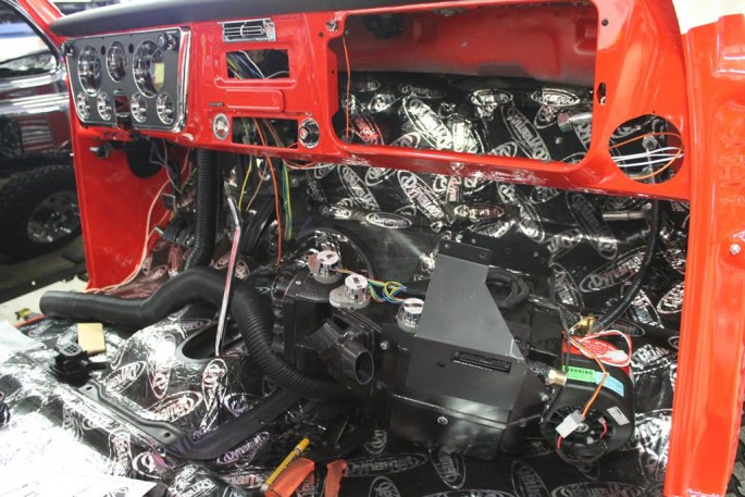 A MetalWorks Classia Auto Restoration (33)