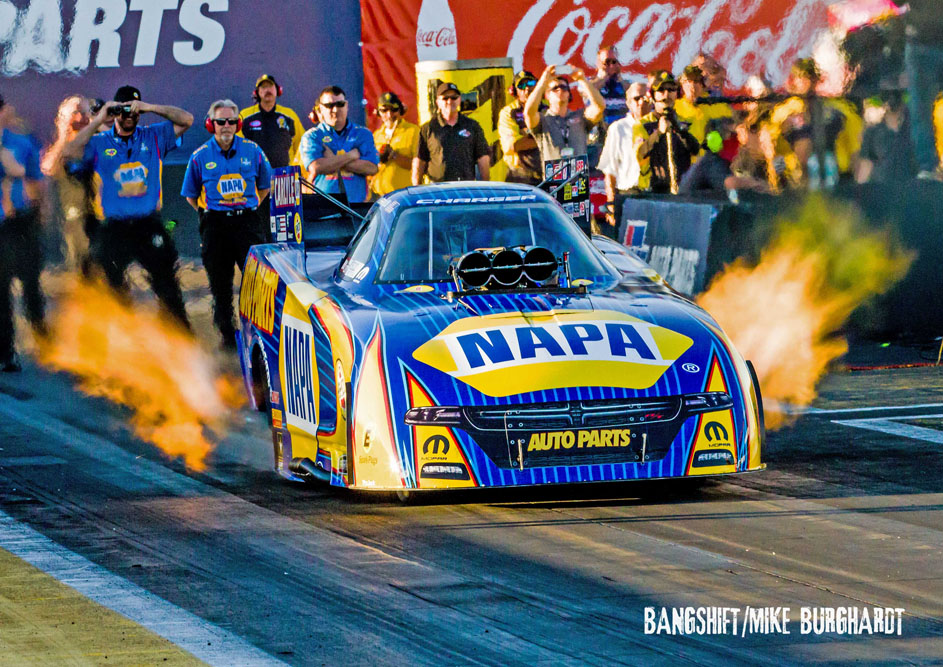 Capps, Kalitta & Butner Lead Pro Qualifiers At NHRA Phoenix!