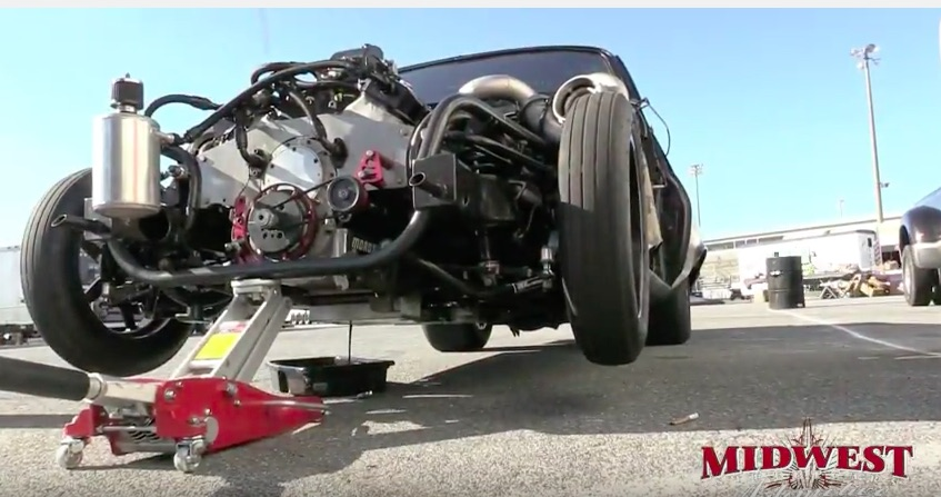 Best of 2016: Watch The Engine In The Murder Nova Go Back Together In The Pits At Lights Out 7