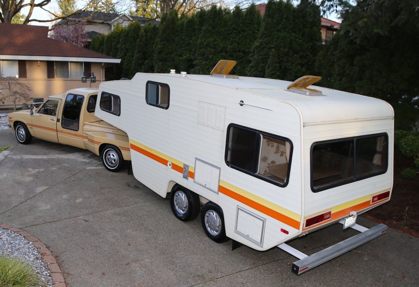 Bangshift Com Don T Tell Chad This 1981 Toyota Sr5 Dually