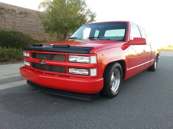 Would You Update It Or Leave It Just Like This? A 1994 Chevy Extended Cab C1500 That Is 1990's Perfection
