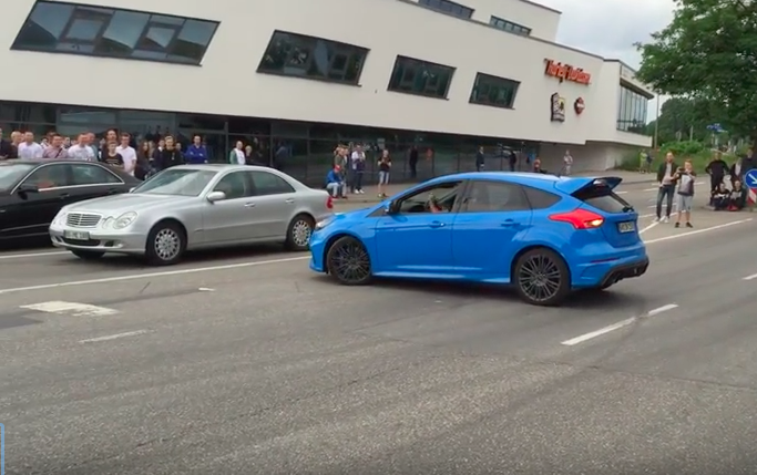 Who's Dumber Video: Would You Consider The Driver Or The Crowd The Larger Idiot Here?