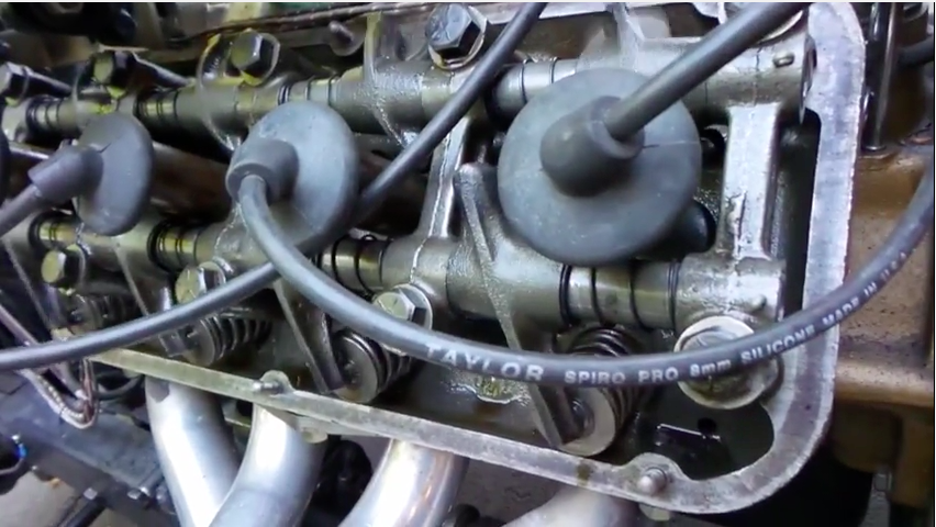 Watch This 1952 DeSoto Hemi Run With No Valve Covers On As The Owner Checks Top End Oiling
