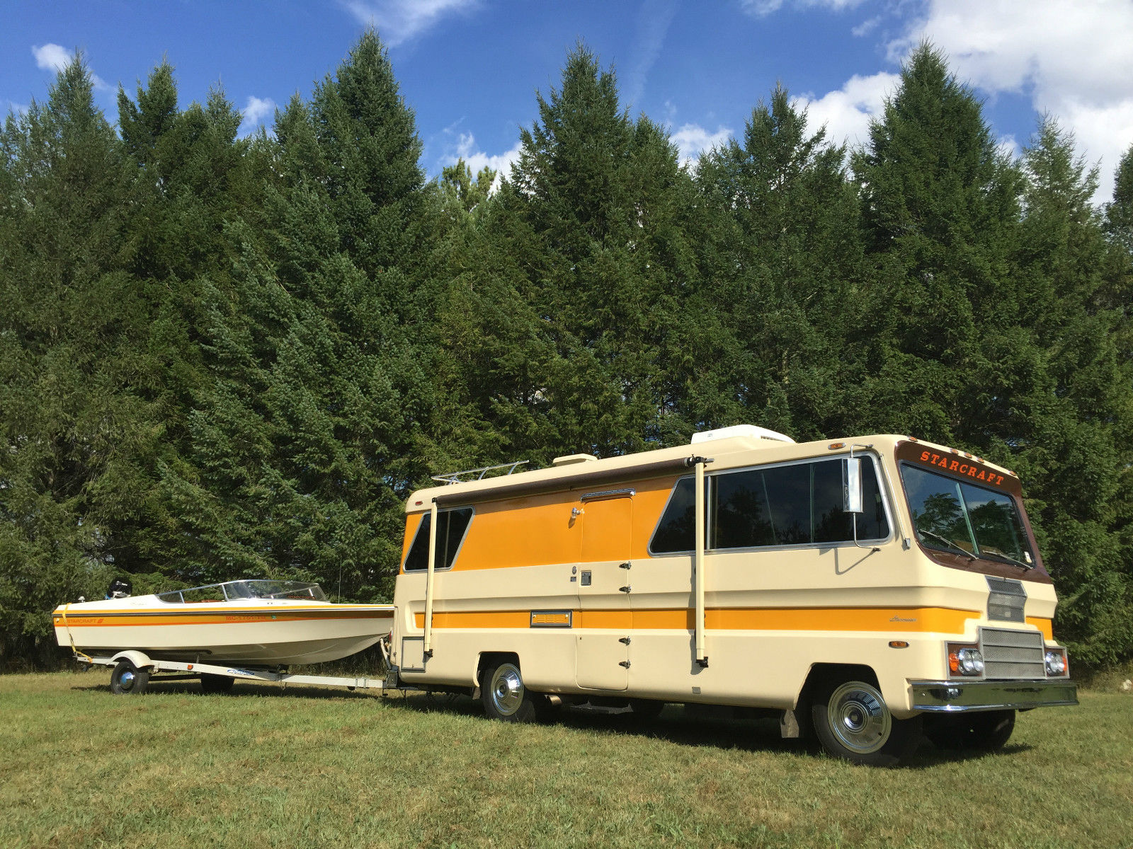 RV Insanity! This 1974 Starcraft Starcruiser AND Starcraft Stinger Boat Combo Is Perfection
