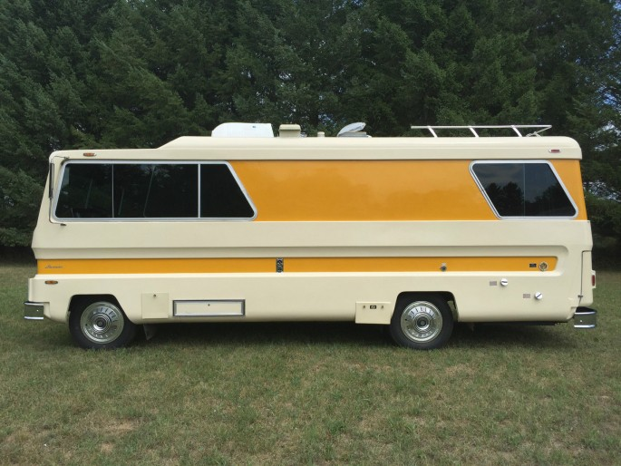 1974 Starcraft Motorhome and Boat 3