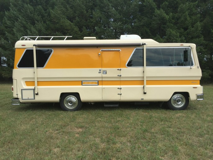 1974 Starcraft Motorhome and Boat 6