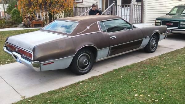 BangShift.com Rough Start: A 1972 Thunderbird In Detroit