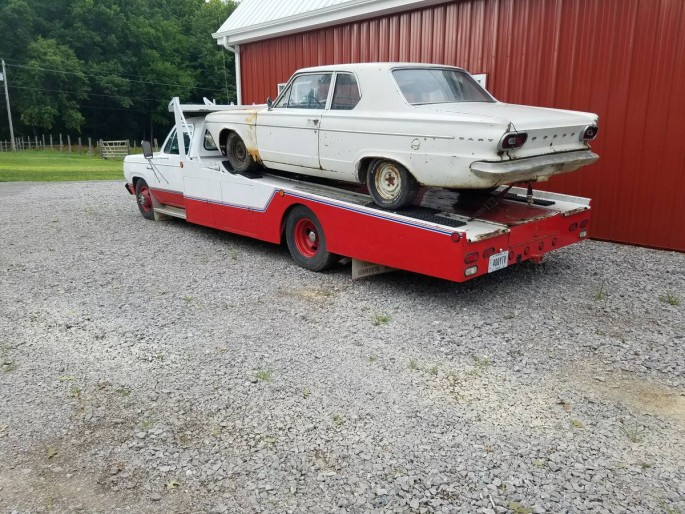 clean and cared for this 1978 dodge d300 car hauler is gorgeous. Black Bedroom Furniture Sets. Home Design Ideas