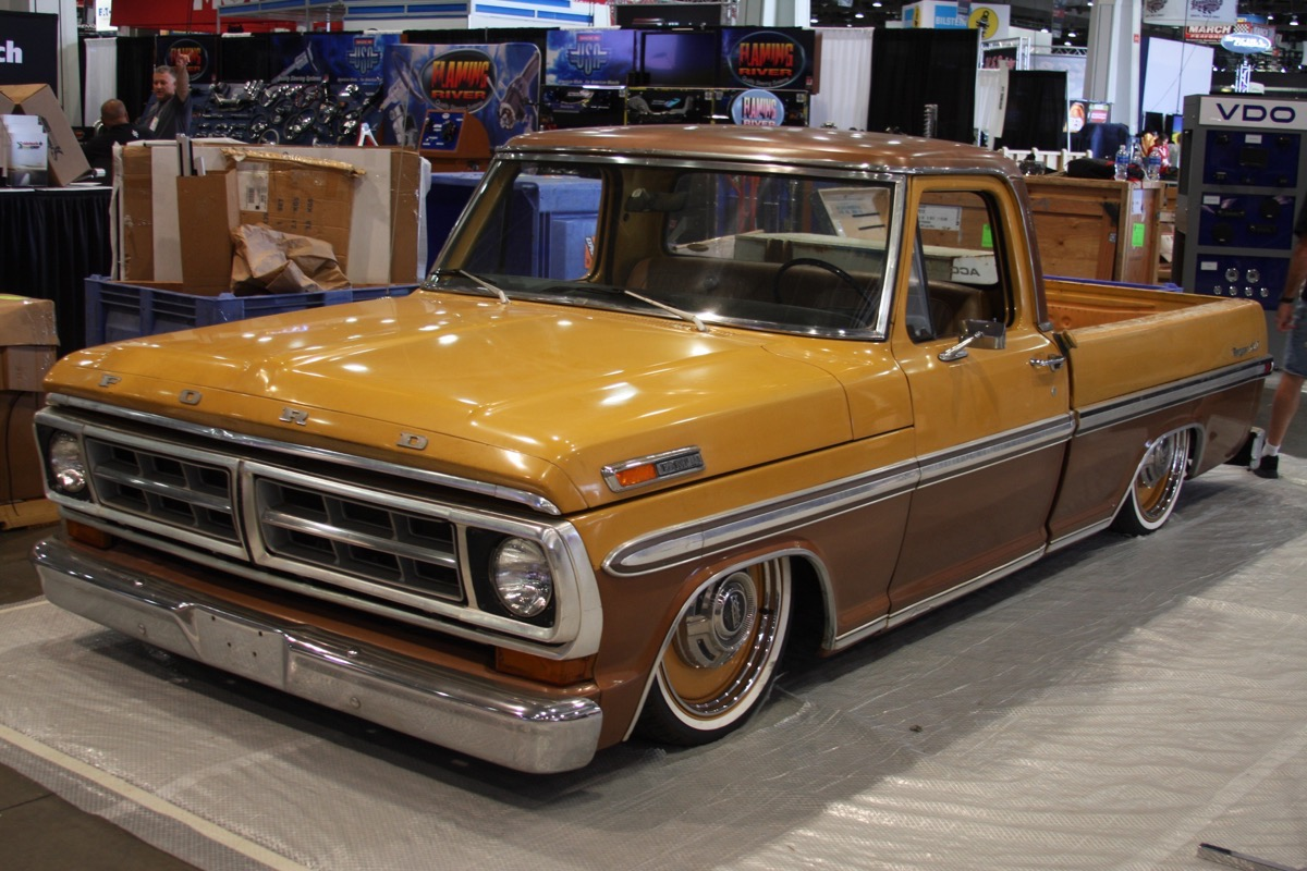 SEMA 2016: Here's A Load Of Truck Specific Photos – Horsepower, Big Tires, and Fun