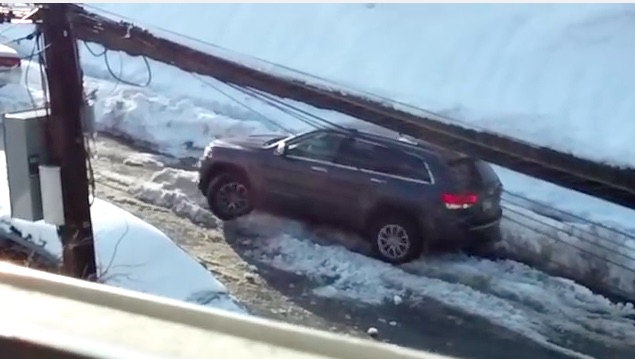 Funny Video: Watch A Guy With A Jeep Grand Cherokee Fail Snow Driving 101 While Going Mental