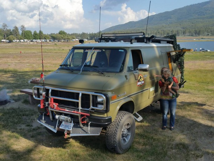 Bangshift Com This Solid Axle 4x4 1985 Chevy Van Is The