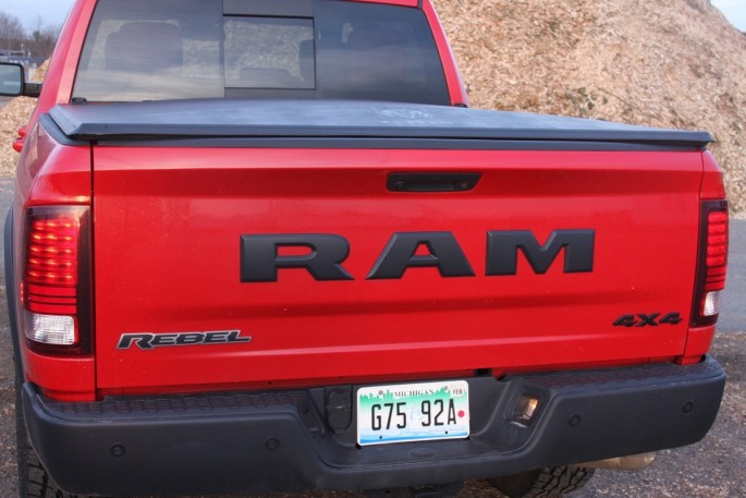 2016-ram-1500-rebel-truck-18