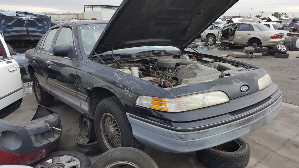 This  Ford Crown Victoria P Might Escape The Junkyard Due To A Bunch Of Enthusiasts