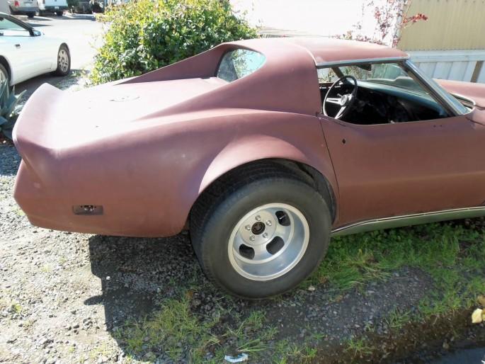 custom-1974-corvette-2