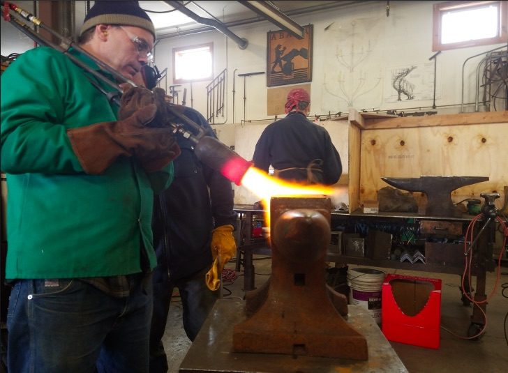 Anvil Repair Tech – Seriously, This Is A Cool Story About Repairing An Anvil!